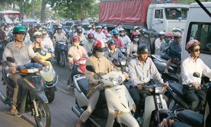 Thu phí sử dụng đường bộ với xe máy từ 12/7 1