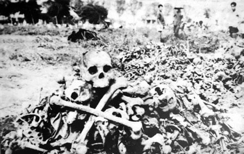 Viếng thăm ngôi mộ lớn nhất Việt Nam 4