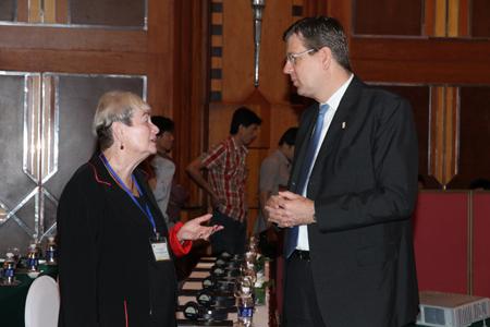Hội thảo chia sẻ kinh nghiệm quốc tế về già hóa dân số 6