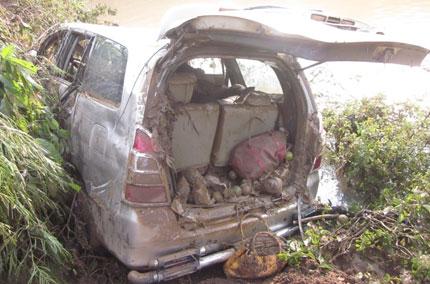 Vụ trôi xe, 5 người mất tích tại Nghĩa Đàn, Nghệ An: Tiếng khóc xé lòng giữa trời lũ 2