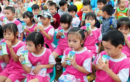 Sữa học đường giảm nhanh suy dinh dưỡng 1