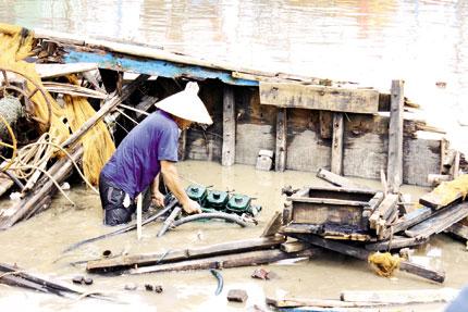 Quảng Bình: Dân thẫn thờ sau bão 1