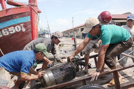 Quảng Bình: Dân thẫn thờ sau bão 3