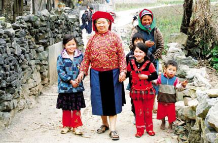 """Ông Arthur Erken, Trưởng đại diện Quỹ dân số liên hợp quốc (UNFPA) tại Việt Nam: Hãy nắm bắt """"cơ hội dân số già"""" 1"""