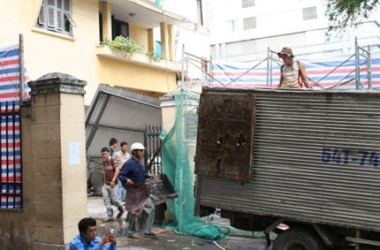 """Trụ sở Tòa án bị sụp do """"hố tử thần"""" ở TP HCM: Quan tòa đi lánh nạn, dỡ trụ sở cũ 1"""
