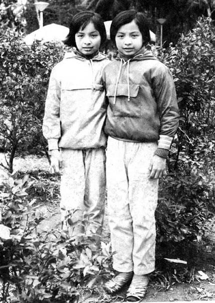 Cặp song sinh Thúy Hằng-Thúy Hạnh: Những tiết lộ 20 năm nghề… mẫu! 1
