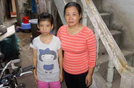 Xót xa cô bé nặng 26kg, cuộc đời phụ thuộc vào những bịch máu 1