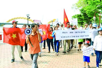 Trung Quốc hạ đặt giàn khoan trái phép: Chính nghĩa trong tay Việt Nam 1