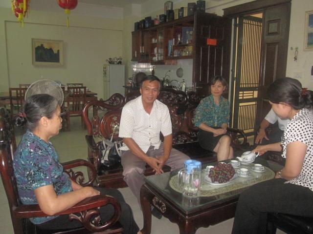 Lãnh đạo Tổng cục DS-KHHGĐ thăm các gia đình liệt sĩ nhân ngày 27/7 1