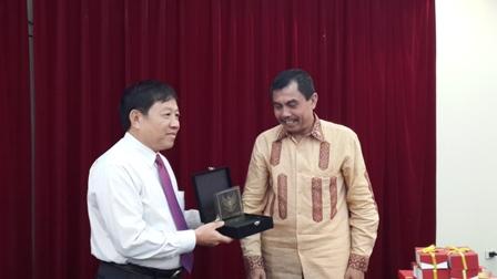 Tổng cục DS-KHHGĐ tiếp Ban Thư ký của Phó Tổng thống Indonesia 4