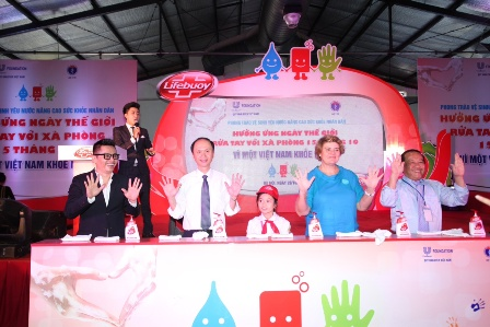"""Quang Anh The Voice Kids bùng nổ với """"Biệt đội tay sạch""""  7"""