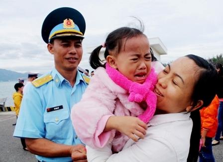 Những bức ảnh đẹp của gia đình Việt hướng về biển đảo Tổ quốc 1