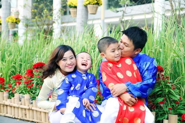 Những bức ảnh đẹp của gia đình Việt hướng về biển đảo Tổ quốc 8