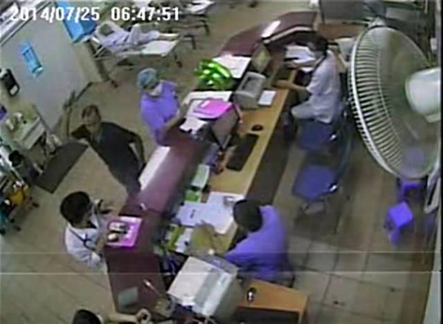 Vụ bác sĩ BV Bạch Mai bị tấn công: Điều dưỡng mang thai 7 tháng bị hoảng loạn 1