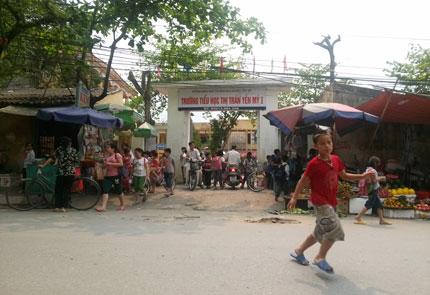 Yên Mỹ, Hưng Yên: Phụ huynh phản đối chuyển hiệu trưởng  1