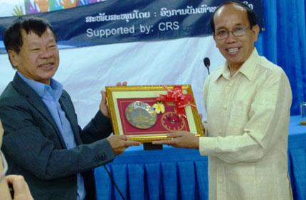 Đoàn Nhà báo Việt Nam thăm và làm việc tại Lào: Tăng cường hợp tác truyền thông  1