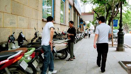 Hà Nội: Phố cổ lại lộn xộn sau lệnh cấm 1