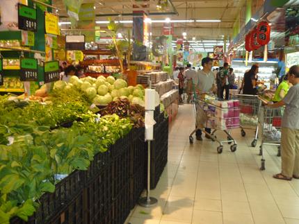 Xăng giảm nhỏ, giá đứng im, người tiêu dùng… chịu thiệt 1