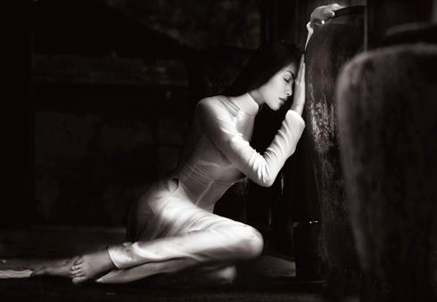 Tăng Thanh Hà đẹp hút hồn trong ảnh lịch 9
