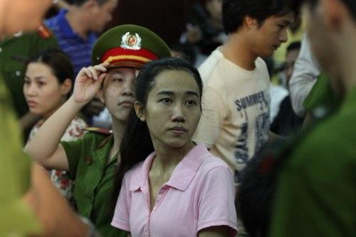 Hoa hậu Mỹ Xuân bị phạt 30 tháng tù 4
