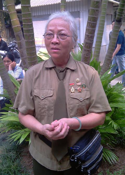 Đông đảo quân, dân Hà Nội xếp hàng chờ đến giờ viếng Đại tướng  5