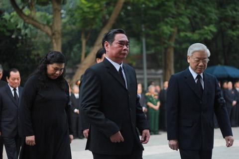 Lãnh đạo Đảng, Nhà nước thành kính viếng Đại tướng Võ Nguyên Giáp 1