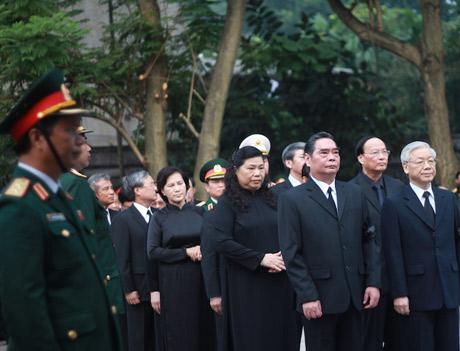 Lãnh đạo Đảng, Nhà nước thành kính viếng Đại tướng Võ Nguyên Giáp 7