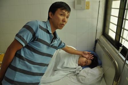 Hàng chục người nhập viện nghi ngộ độc do ăn bánh mì 1