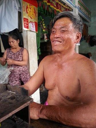 """Chuyện về lão ngư mù """"sát cá"""" trên phá Tam Giang 3"""