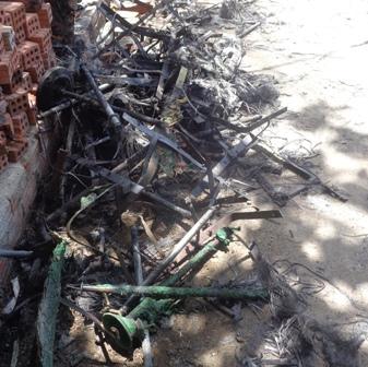 Hàng chục thùng rác bỗng dưng phát hỏa 2
