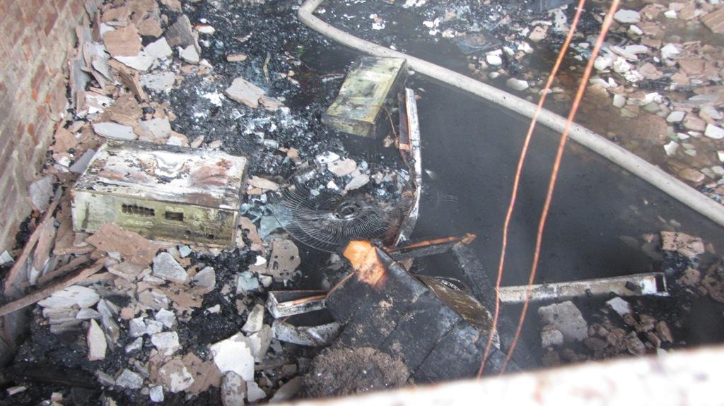 Khu chung cư bốc cháy dữ dội giữa trưa ở Đà Nẵng 8