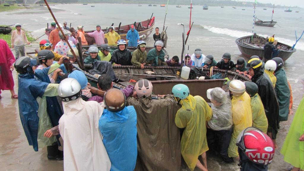 Cận cảnh người dân Đà Nẵng chuẩn bị đối phó bão số 8 5