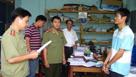 Đường dây làm giả giấy tờ, con dấu lớn tại Quảng Nam 1