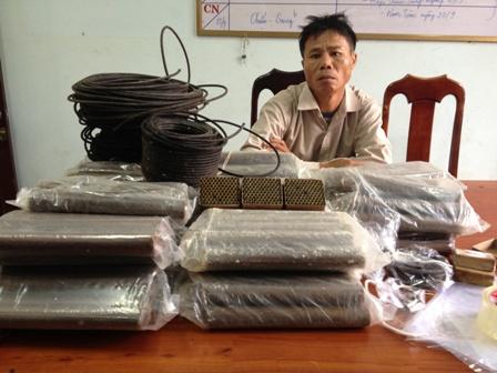 Mang thuốc nổ từ Nghệ An vào Quảng Nam để đi làm vàng 1