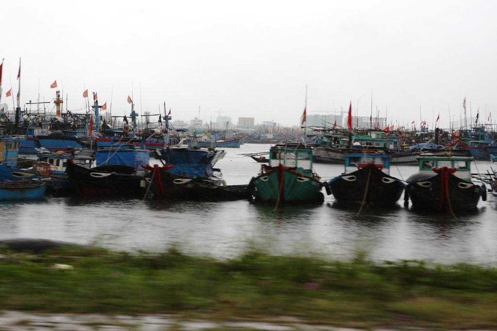 Cận cảnh người dân Đà Nẵng chuẩn bị đối phó bão số 8 15
