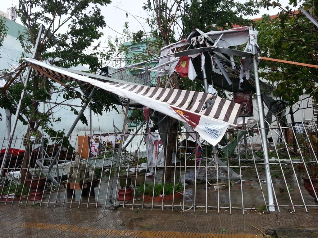 Đà Nẵng tan hoang sau bão số 11 4