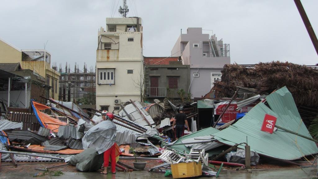 Đà Nẵng tan hoang sau bão số 11 7