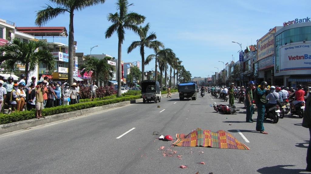 Đà Nẵng: Hai nữ sinh viên chết thảm sau tai nạn kinh hoàng 1
