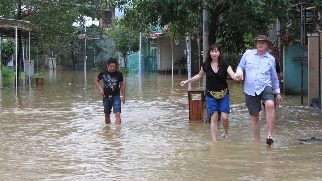 Hội An chìm trong nước lũ 21
