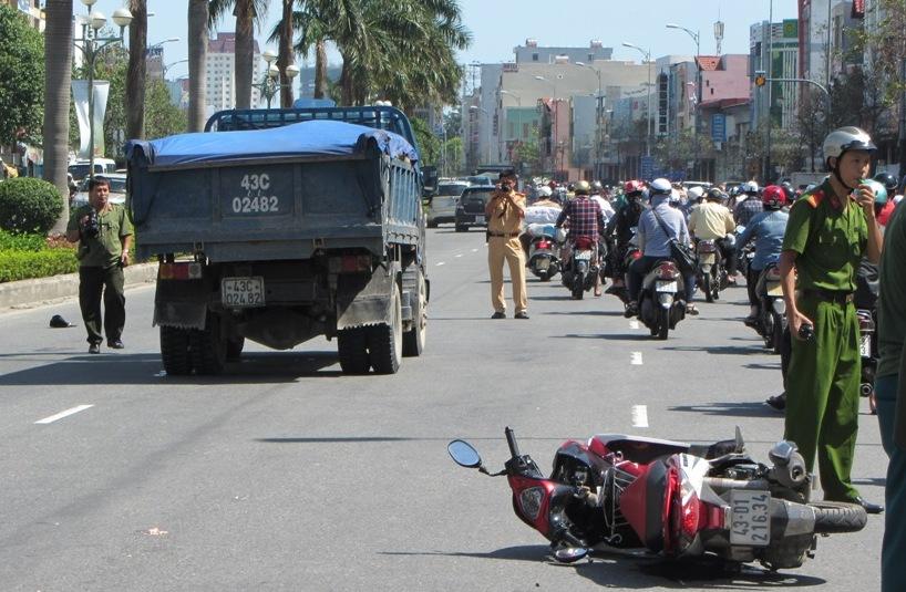 Đà Nẵng: Hai nữ sinh viên chết thảm sau tai nạn kinh hoàng 2