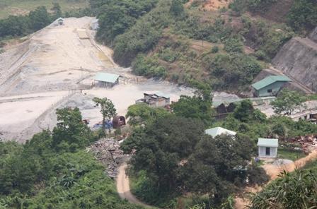 Mưa lũ sạt lở đất khiến Công ty vàng lớn nhất nước tạm đóng cửa 1