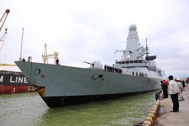 Tàu Hải quân Hoàng gia Anh Daring cập cảng Tiên Sa 1
