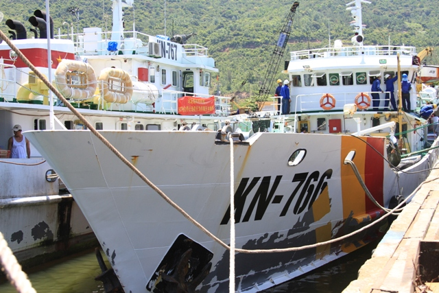 Cận cảnh tàu Kiểm ngư Việt Nam bị tàu Trung Quốc đâm gây hư hỏng 1