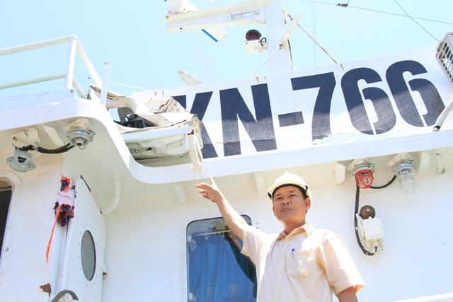 Cận cảnh tàu Kiểm ngư Việt Nam bị tàu Trung Quốc đâm gây hư hỏng 14