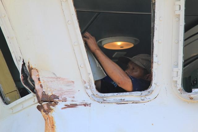 Cận cảnh tàu Kiểm ngư Việt Nam bị tàu Trung Quốc đâm gây hư hỏng 7
