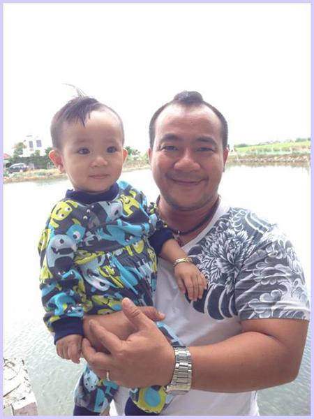 Con trai diễn viên Hiếu Hiền giống bố như đúc 6