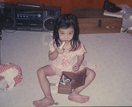 Ảnh thời thơ ấu cực dễ thương của hàng loạt sao Việt 9