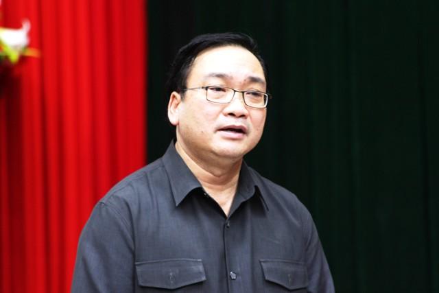 """Quảng Bình đang vật lộn giữa """"siêu bão"""" 1"""