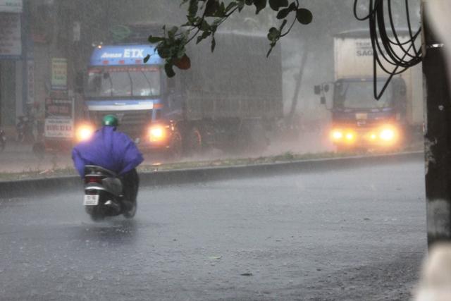 Xả lũ đập thủy điện, thủy lợi lớn nhất tỉnh Quảng Trị 1