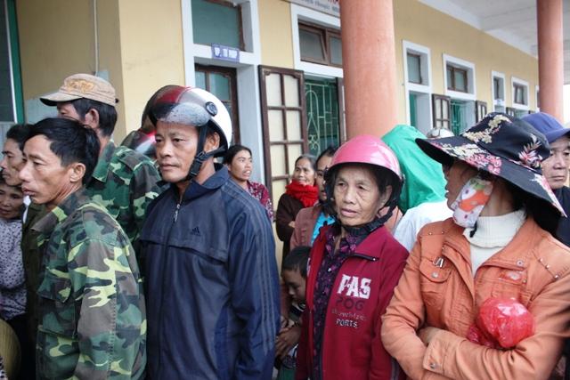Quảng Bình: Tình người sau bão lũ 2